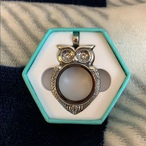 Origami Owl Owl Living Locket